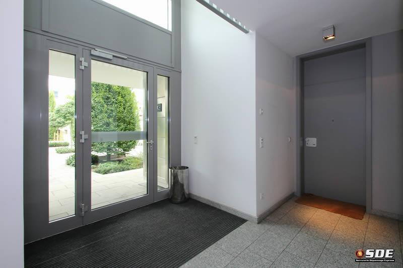 Porte porte fen tre cloison installation et r paration for Reparation porte et fenetre